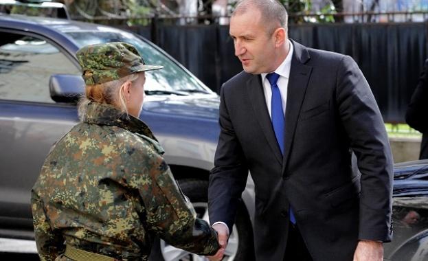 """Президентът: Нашите """"Специални сили"""" заслужават специално отношение"""