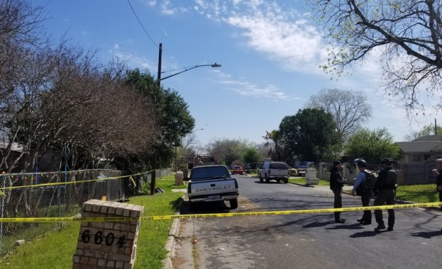 Двама загинали при взривове на колети в Тексас