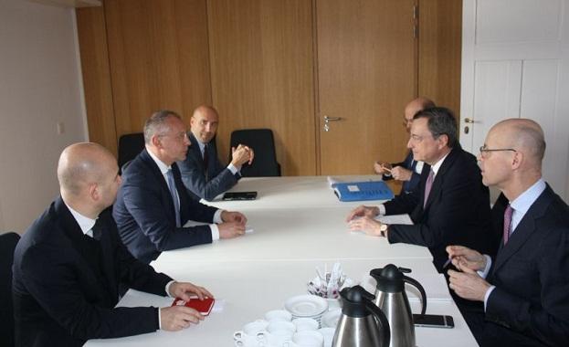 """""""България изпълнява критериите за членство в Еврозоната и има желание"""