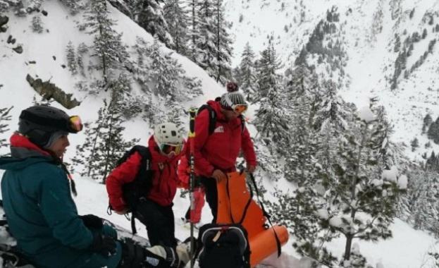 Планински спасители от Банско провеждат акция по спасяване на 28-годишна