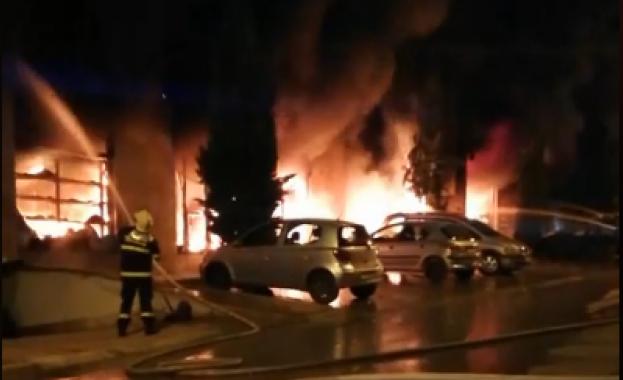 Пожар горя в жилищен блок в центъра на Сандански в