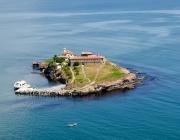 Остров Св. Анастасия посреща гости при подходящо време за плаване