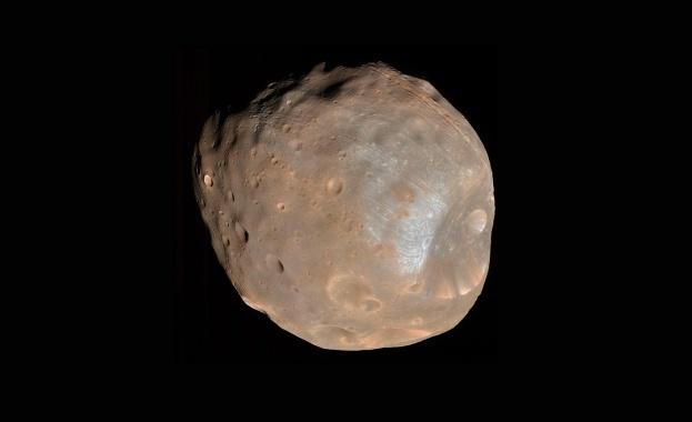 Марсианските луни Фобос и Деймос са се формирали, след като