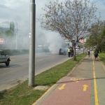 Кола се запали в движение в София