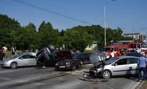 Ранените при верижната катастрофа във Варна са в добро състояние