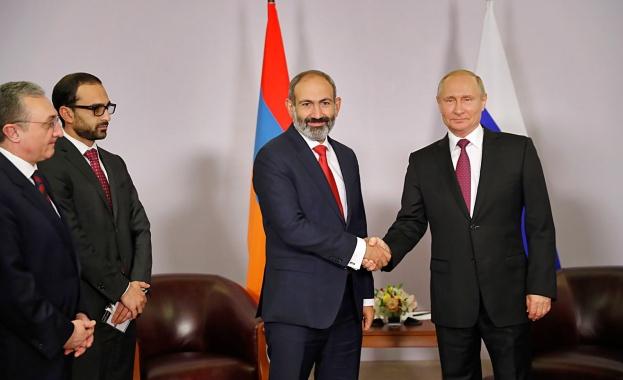 Путин се срещна с Пашинян в Сочи