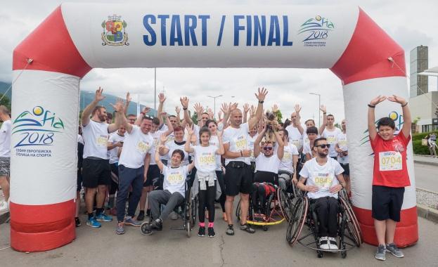 Над 1000 души участваха в маратона с кауза Run2Gether