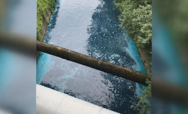 За пореден път Слатинската река в София потече оцветена вчера,