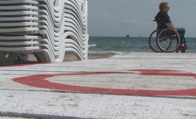 Новите концесии на плажовете ще имат задължителна клауза да осигуряват