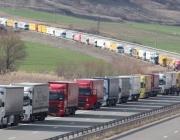 16 км опашка от камиони се образува на българо-турската граница