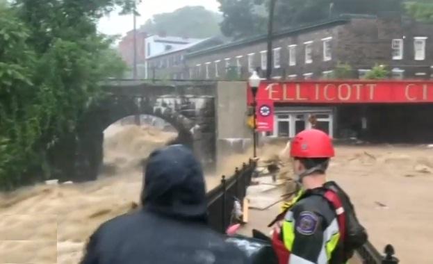 Американският щат Мериленд е под вода, хиляди се евакуирани в