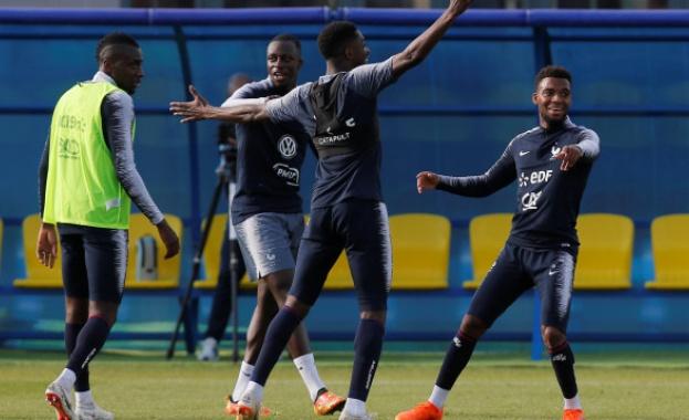 Оптимисти: Французите тренират радост след гол (видео)