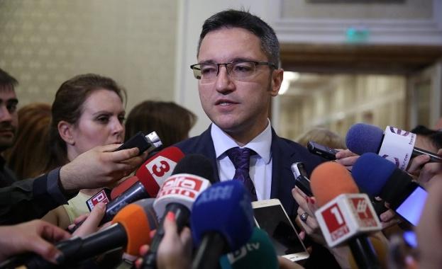Вигенин: Искаме гаранции, че промяната на името на Македония няма да доведе до териториални и исторически претенции