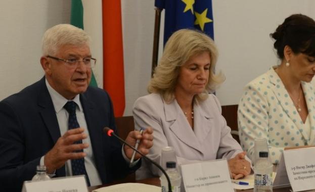 Нивото на детска смъртност в България е два пъти по-високо