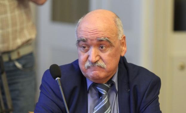 Парламентарната здравна комисия реши да прекрати предсрочно мандата на шефа