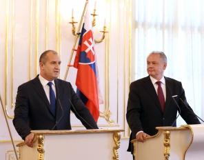 Румен Радев на посещение в Братислава