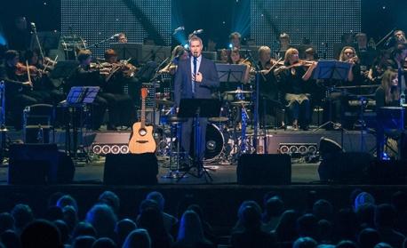 Италианският тенор Алесандро Сафина  под съпровода на Софийска филхармония с първи концерт в София