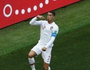 Роналдо качи Португалия на върха
