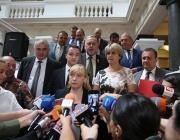 Елена Йончева: Внесохме вота на недоверие, правителството на Борисов е вредно