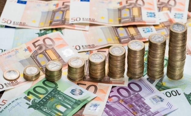 Подготвят обществени поръчки за чакалнята за еврото