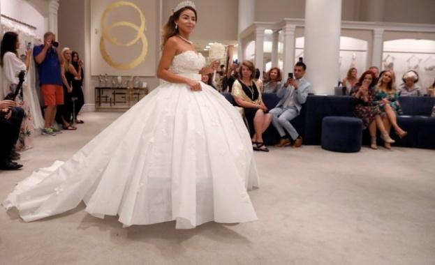 Конкурс за сватбени рокли от… тоалетна хартия