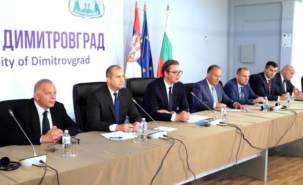 В Димитровград двамата президенти се срещнаха с представители на българското
