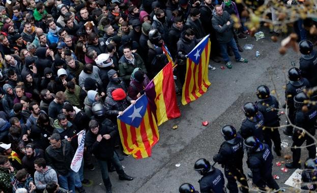 Каталунските сепаратистки лидери обявиха, че прекъсват официалните контакти с испанската