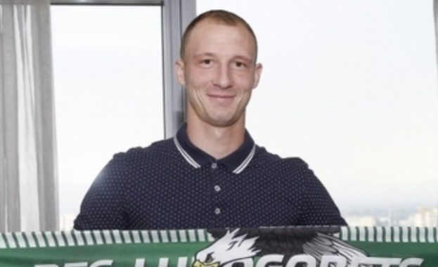 Шампионите привлякоха българския национал Антон Недялков. Роденият в Ловеч футболист