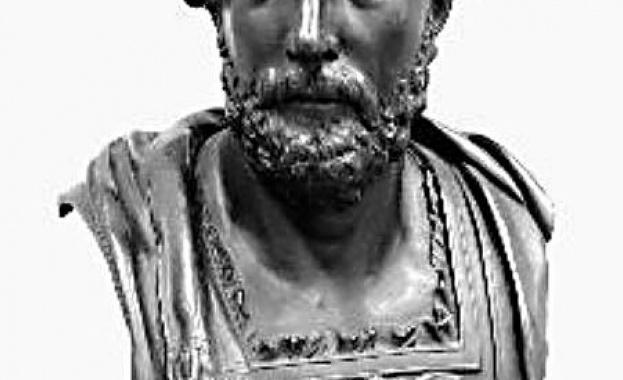 217 г. - Втора пуническа война: Състои се Битката при