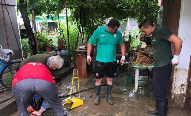 Две общински комисии опиват щетите от наводнението в град Роман.