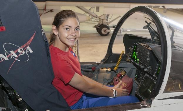 НАСА подготвя ученичка на 17 години да бъде първият човек