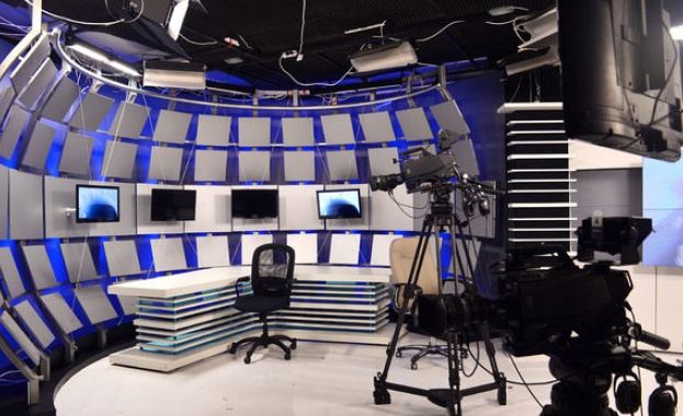 Теми и гости в ефира днес
