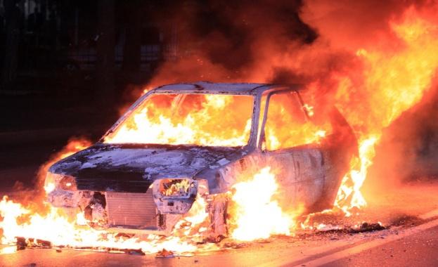 """Автомобили горяха в столичния квартал """"Манастирски ливади"""""""