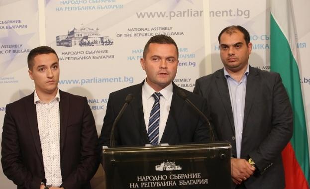 Явор Божанков: Увеличават таксите в административното производство до 900 пъти. Даваме ги на КС
