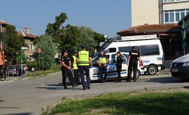 В ромската махала в Благоевград се провежда специализирана полицейска акция,