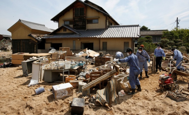 204 станаха жертвите на катастрофалните наводнения и свлачища в Япония,