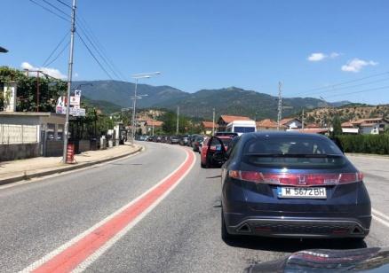 Тежка катастрофа в Кресненското дефиле затапи пътя за Гърция
