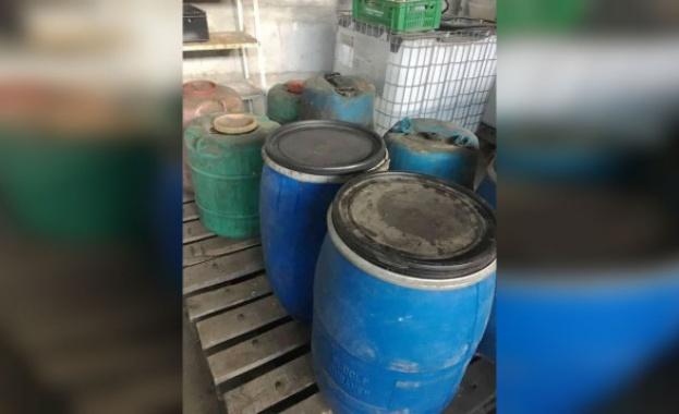 Митнически служители иззеха над 5 тона нелегален алкохол от района