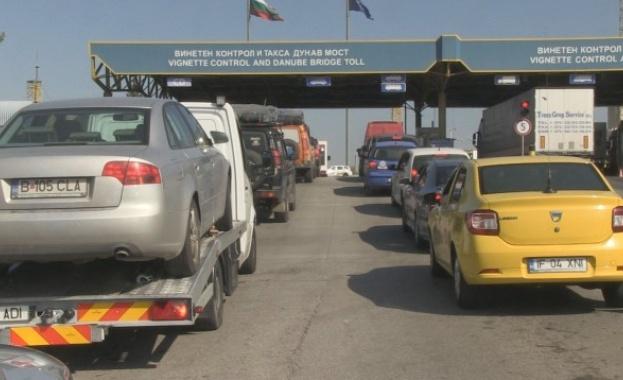 """10-километрова опашка от тежкотоварни камиони на граничния пункт """"Дунав мост"""""""