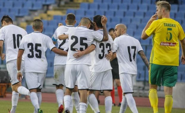 Славия гостува на Хайдук в Сплит в първи мач от