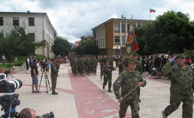 """На площад """"Свобода"""" в Смолян днес, 26 юли, бе посрещнат"""