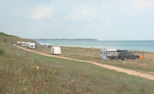 За регламентирането на т.нар. диво къмпингуване настояват от община Шабла.