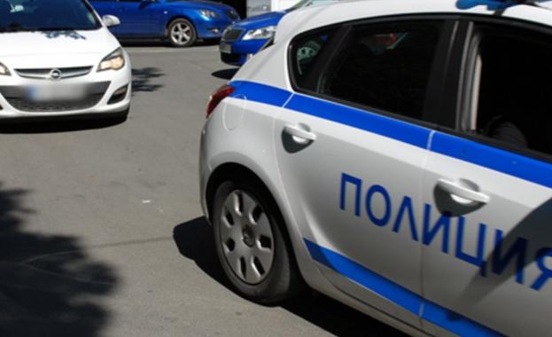 Криминално проявен стреля по автобус с работници в Бургас