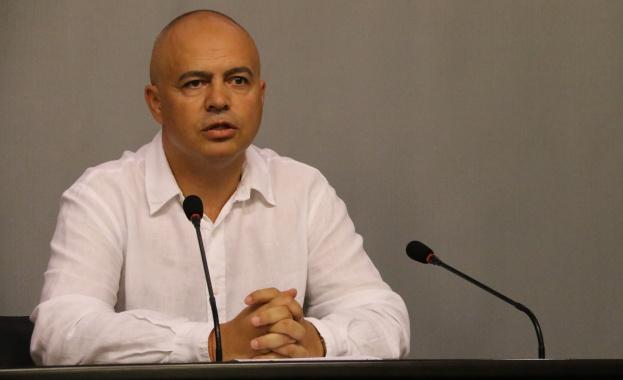 Свиленски към Борисов: Обяснете как се арестуват български граждани в качеството им на свидетели
