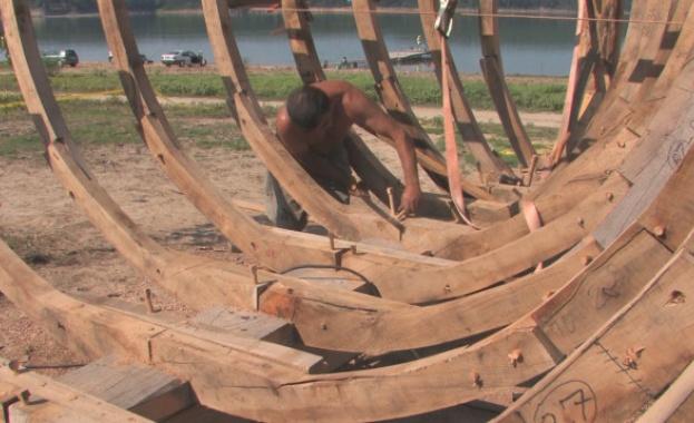 Строят копие на тракийски боен кораб край язовир Копринка