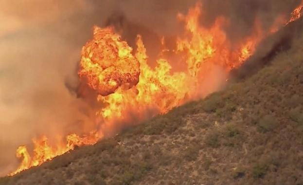Огнената стихия в Калифорния взе десета жертва