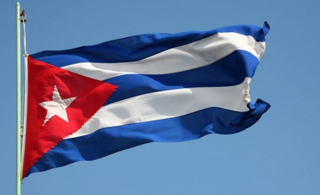 Кубинците вече имат интернет на мобилните си телефони