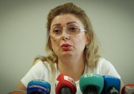 Изпълнителният директор на Агенцията по вписванията подаде оставка, Цачева я прие