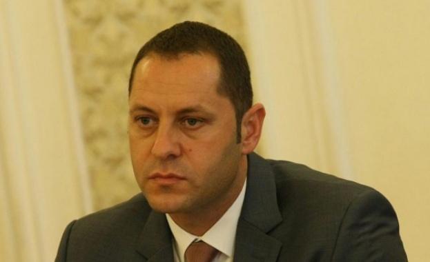 Бившият заместник-министър на икономиката Александър Манолев и 25-годишната Ана Димитрова