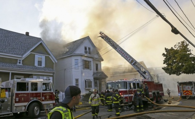 Поредица експлозии и пожари до Бостън